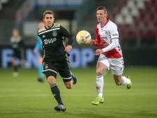 Hattrickheld Venema loodst Jong FC Utrecht tegen Jong Ajax van laatste plek