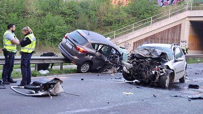 Chauffeur Belgische auto verongelukt op de vlucht voor Duitse politie