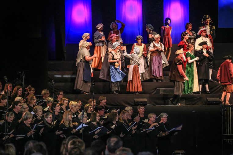 Belgische musical première - In de schaduw van Napoleon - Harmonie Eendracht Aalbeke met meer dan 200 uitvoerders
