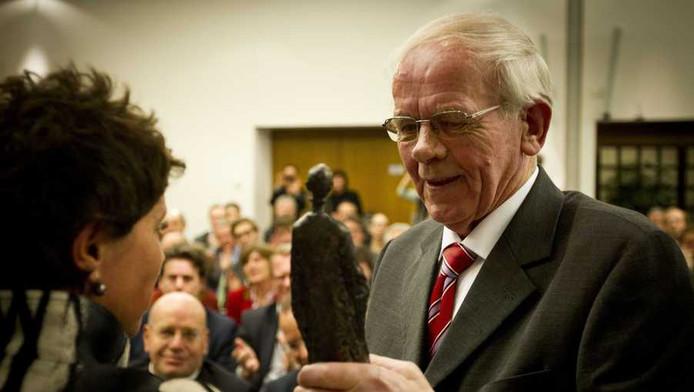 Bauke Vaatstra met de Machiavelliprijs 2012.