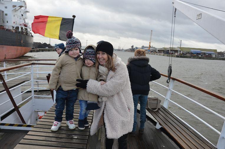 De gratis boottochtjes vallen ook in de smaak bij de jeugd.