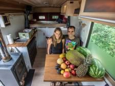 Fruitariërs op wielen: met een bus vol fruit de aardkloot verkennen