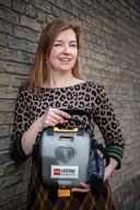 Nederland,02-03-2019  Paulien Zij heeft een hartstilstand gehad en is met behulp van een AED geranimeerd.  foto Koen Verheijden.