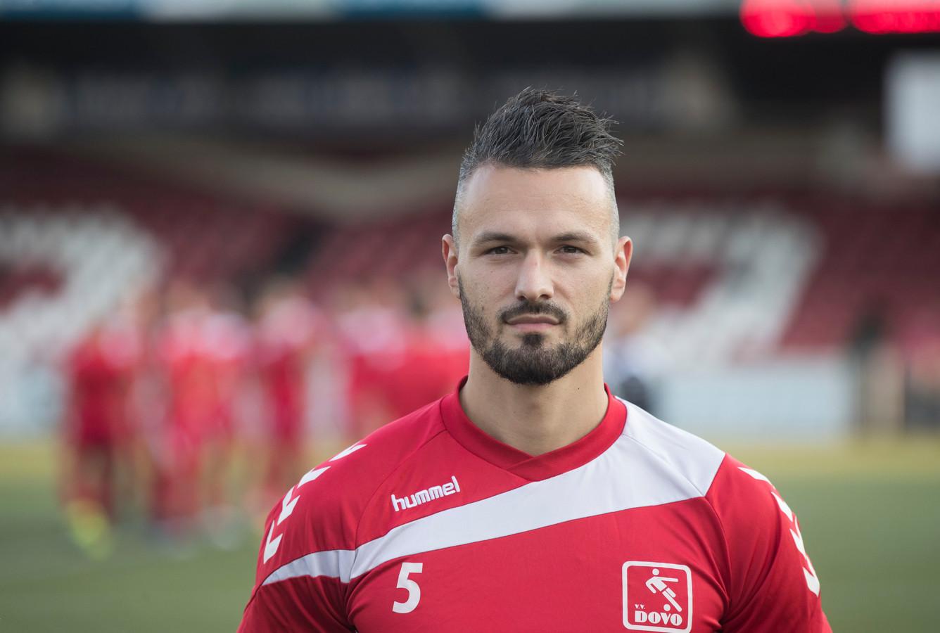 Nando Wormgoor scoorde met een snoeiharde kopbal de 2-1.