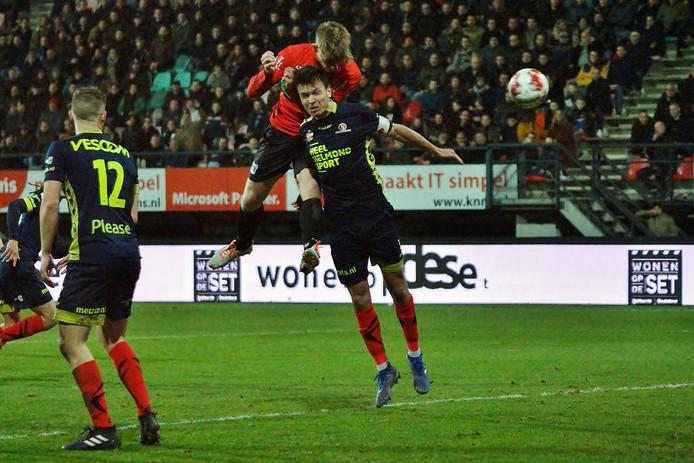 Aanvoerder Ferry de Regt kon de 2-0 van Zian Flemming ook niet voorkomen.