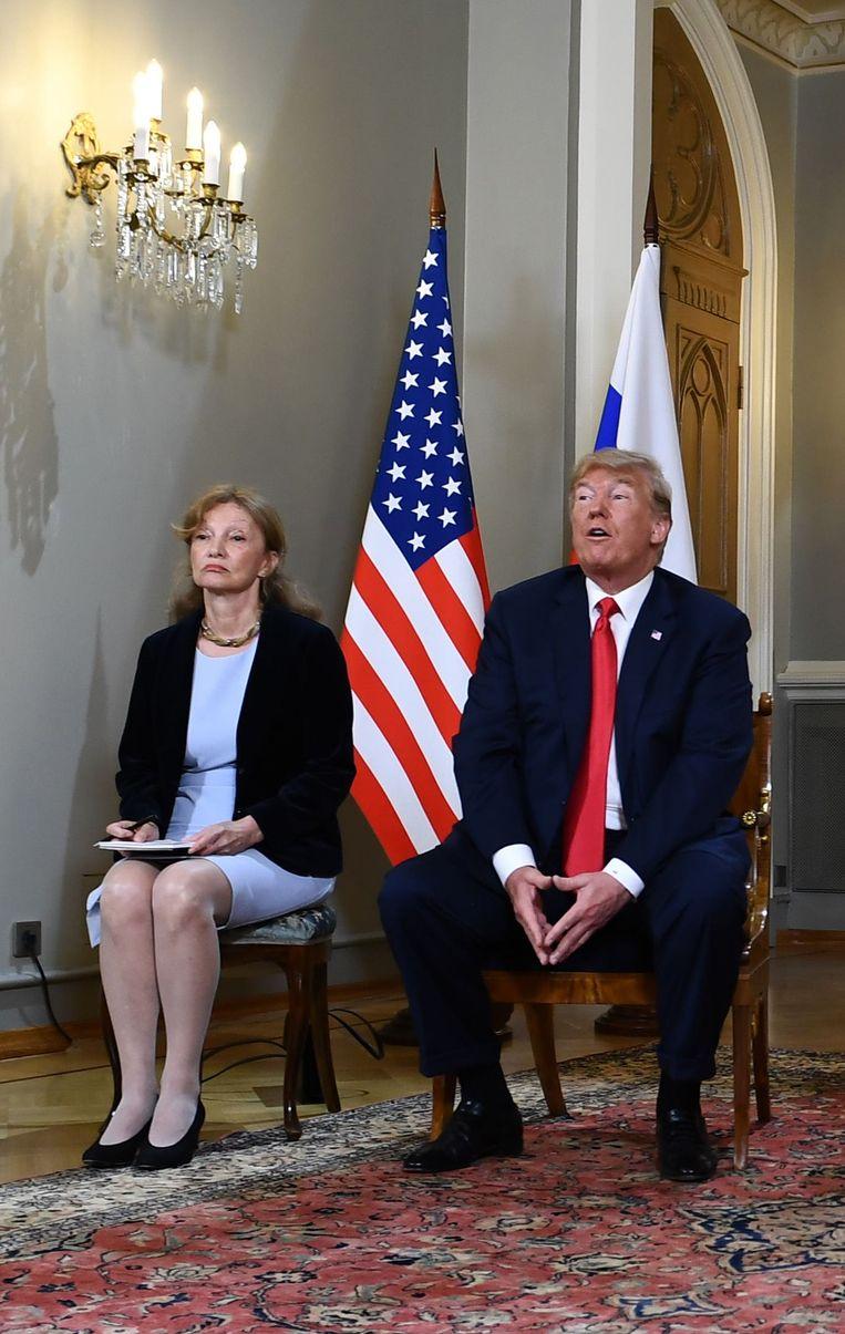 """De Democratische senatrice Jeanne Shaheen zei dat een verhoor van de vertaalster de parlementsleden en het Amerikaanse volk in zijn geheel zou kunnen helpen """"om te achterhalen wat er exact is gezegd en beslist in naam van de VS""""."""