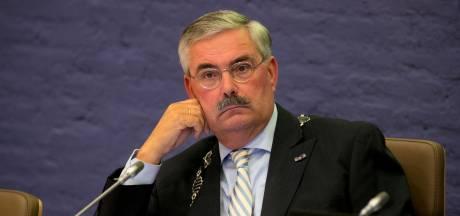 Burgemeester: 'Geen relatie vertrek en crisismaand'