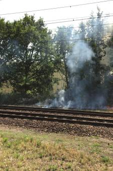 Meerdere bermbranden naast spoor bij Rijen: treinverkeer tussen Tilburg en Breda lag uren plat
