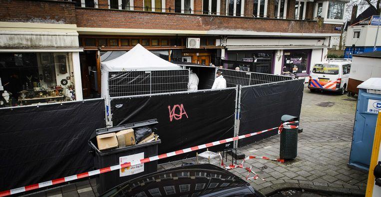 De shishalounge in Amsterdam waar in 2016 voor de deur het hoofd van de jonge huurmoordenaar Amzieb werd gelegd. Beeld Foto ANP