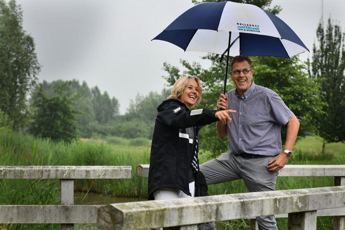 Onderneemster Stella Heinen en Jan Vrielink van Staatsbosbeheer willen met een theehuis, klimbos en trimbaan meer bezoekers trekken naar recreatiegebied Nieuw Wulven tussen Houten en Bunnik.