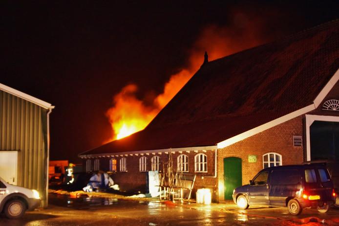 De brand woedde eind 2017 in de loods achter de boerderij van B.