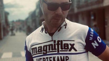 """Kristof De Blaere fietst retrokoers in trui van vader Erné uit 1971: """"Echt wel een bijzonder gevoel"""""""