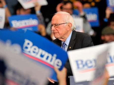 Bernie Sanders stapt uit race en steunt Joe Biden: 'Gevaarlijkste president ooit moet weg'