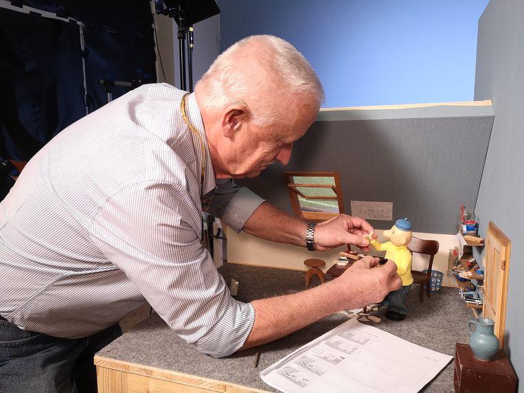 Animator Alfons Mensdorff-Pouilly aan het werk.  Beeld Tomas Eiselt