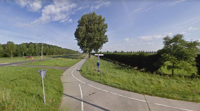 Tussen de Haringweg en de Elburgerweg blijft het fietspad gesloten.