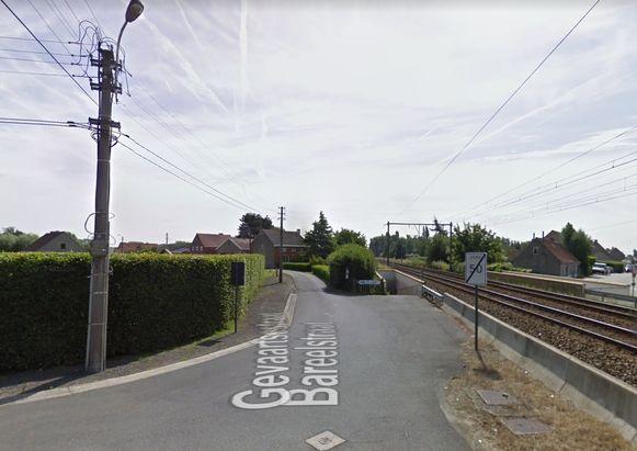 De Gevaartsestraat wordt afgesloten ter hoogte van de spoorweg.