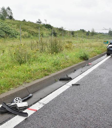 Gewonde door botsing met drie auto's in Tilburg