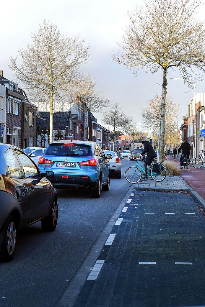 roosendaal - 20200110 - Pix4Profs/Peter van Trijen. bij Aldi en Action aan Boulevard is het een drukke gevaarlijke verkeerssituatie