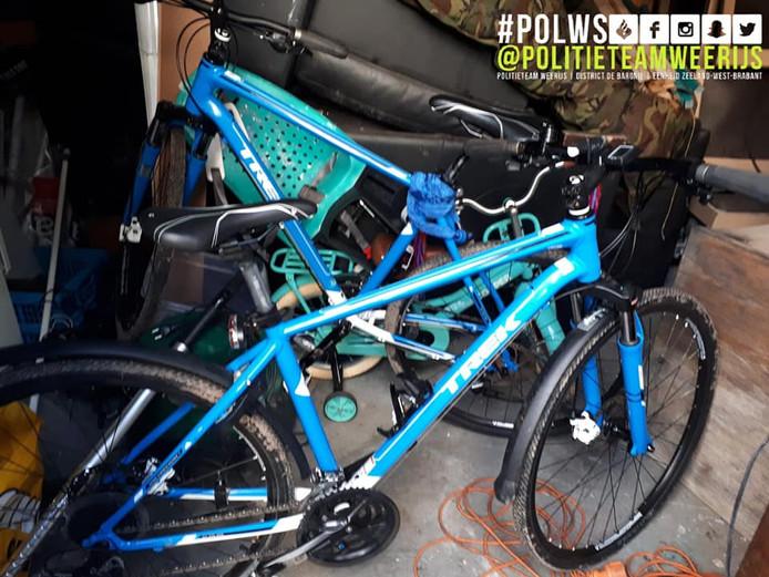 In een schuur in de achtertuin bleken drie gestolen fietsen te staan.