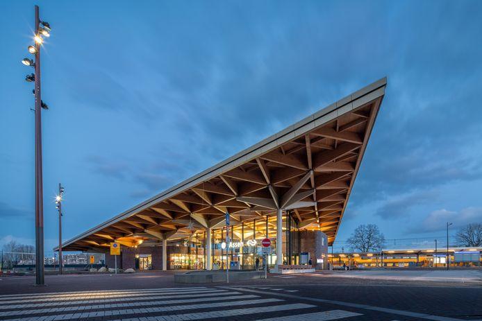 Het nieuwe treinstation in Assen. Bij de bouw zette Hegeman Bouw en Infra uit Nijverdal veel  mensen met een afstand tot de arbeidsmarkt in.