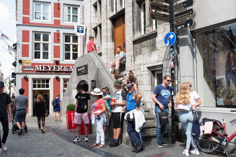 Drukte in de Maastrichtse binnenstad. Beeld Sabine van Wechem