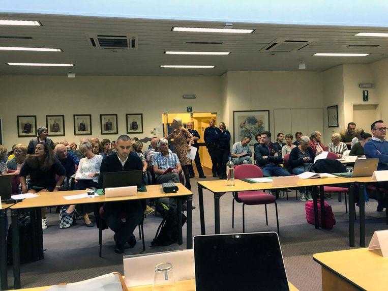 Een afgeladen volle zaal tijdens de gemeenteraad van Oud-Heverlee. Foto: rv