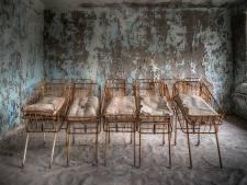 Expositie verlaten gebouwen in Speeldoos Vught: 'Vermolmde vloeren, een trap die onder je voeten afbrokkelt'
