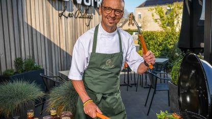 Sterrenchef Luc Bellings proeft 10 worsten voor op de barbecue. Deze supermarkt haalt de beste punten