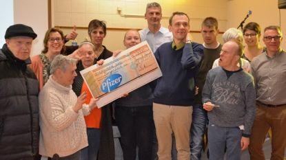 Pfizer schenkt 3.000 euro aan Borgerstein
