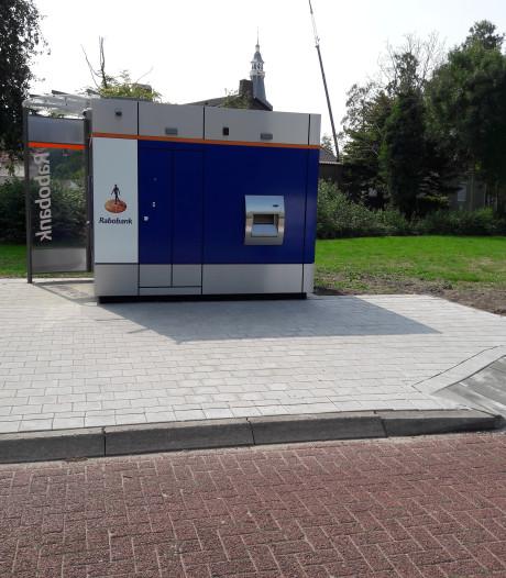 Rabobank past nieuwe pinautomaat in Sint-Maartensdijk aan na klachten