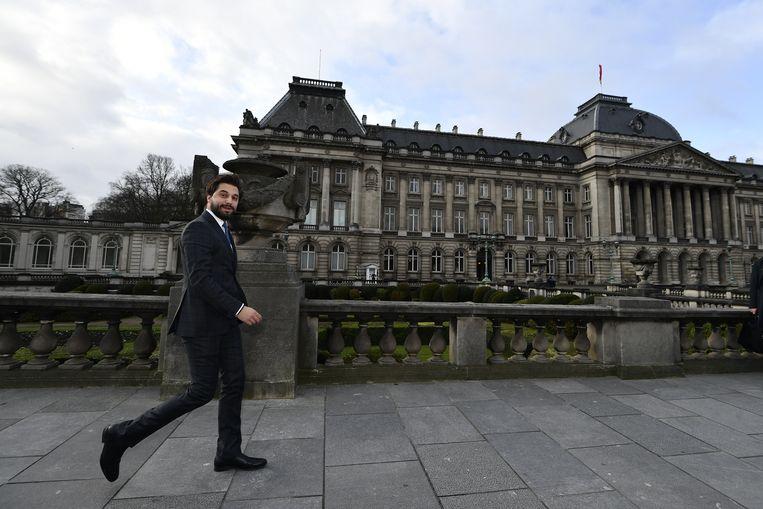 MR-voorzitter Georges-Louis Bouchez bij aankomst aan het koninklijk paleis in Brussel.