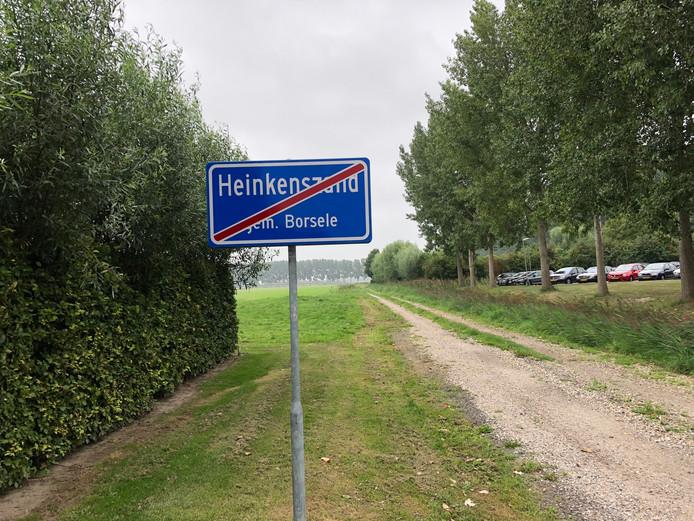 Het Platewegje wordt nu vooral gebruikt als toegang tot het parkeerterrein van de gemeente Borsele. Straks vormt het dé toegangsweg van de nieuwe wijk Platepolder.
