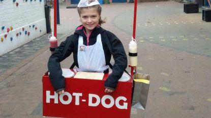 """Als wat ga jij voor carnaval? Bette: """"Ik ben een hotdogkraam! Met échte ketchup en mayonaise"""""""
