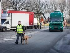 Minister Peeters pomt geld in snelwegparkings om transmigratie aan te pakken: parking Gentbrugge en Kalken worden afgesloten, privébewaking blijft