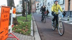 Stadinwaarts door de nieuwe fietsstraat: toch maar opletten