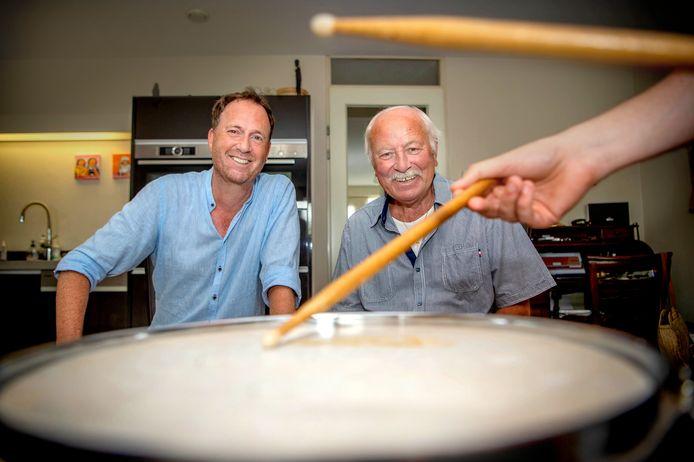 Drummer Joop van Eck, 50 jaar na de top-40 hit van Het Lion Kwintet, samen Jochem van Gelder.