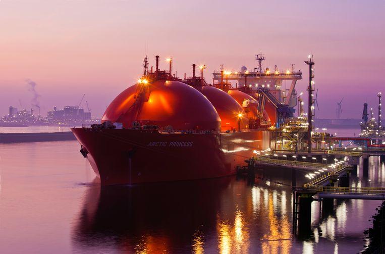 De LNG-terminal in de haven van Rotterdam Beeld