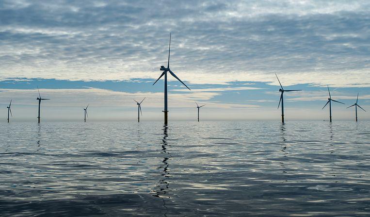 In de Hoofdlijnen van het Klimaatakkoord zullen plannen staan om het Nederlands deel van de Noordzee maximaal vol te bouwen met windmolens. Beeld ANP