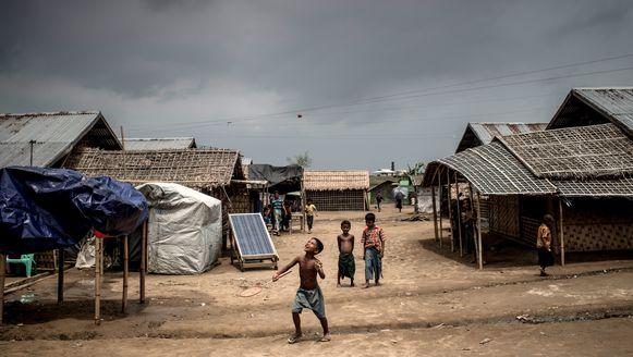Rohingya-kinderen in een vluchtelingenkamp in Myanmar.