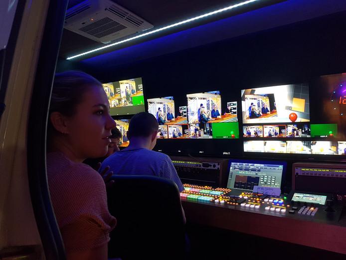 Een kijkje in de regiewagen van de A/V-opleiding van Curio, tijdens de open dag van Eventum in Bergen op Zoom.