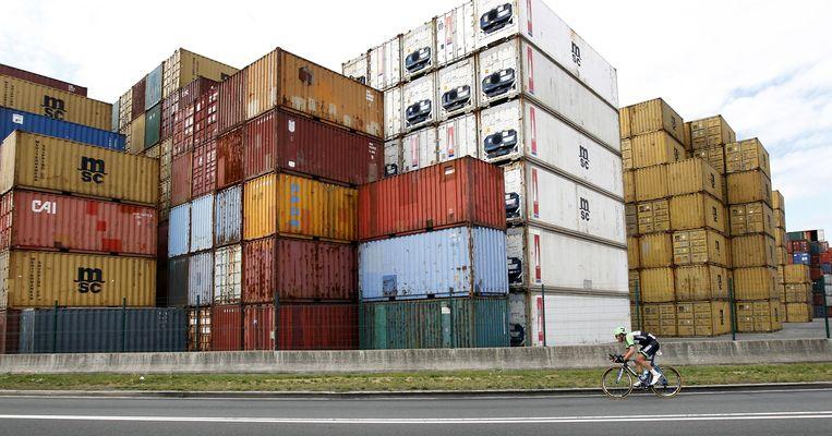 Zeecontainers in de haven van Antwerpen.