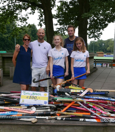 Hockeysticks uit Velp naar Afrika