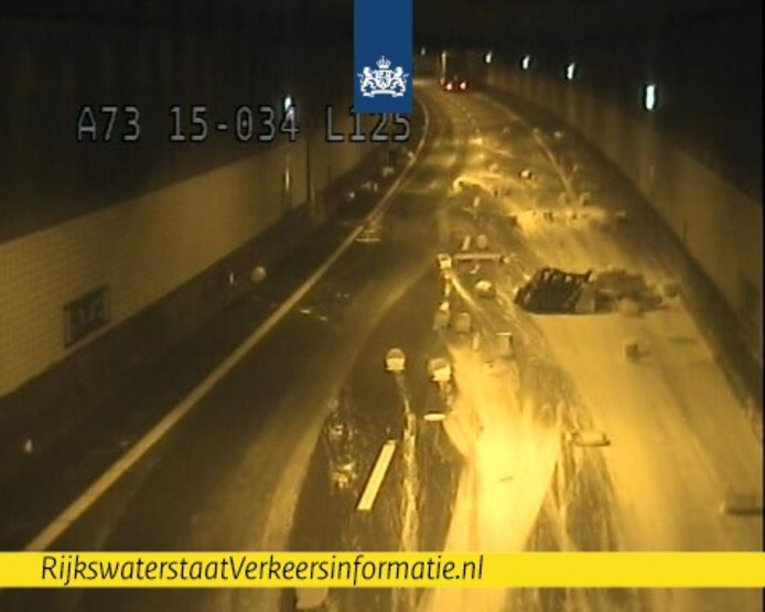 verf in de Roertunnel A73