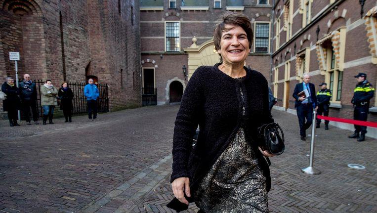 Minister Lilianne Ploumen van Ontwikkelingssamenwerking bij aankomst op het Binnenhof voor de wekelijkse ministerraad. Beeld anp