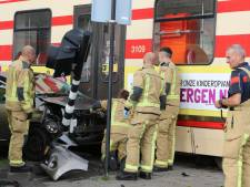 Gewonde bij botsing tussen tram en auto op Laan van Wateringse Veld