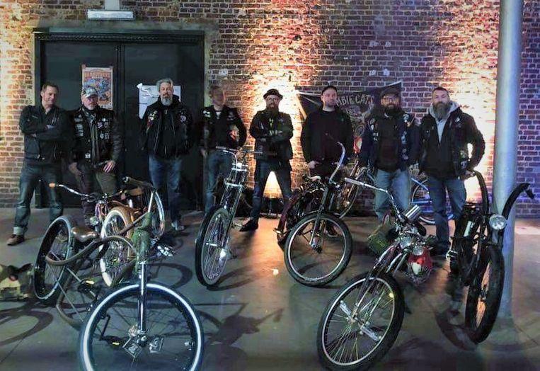 Zombie Cats Bicycle Club bestaat vijf jaar en organiseert daarom enkele ritten.