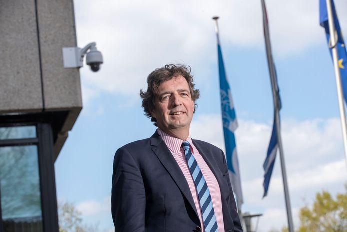 Burgemeester René Verhulst van Ede overweegt om relschoppers een gebiedsverbod en meldplicht op te leggen.