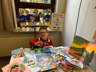 """Lander (7) krijgt bijna 1.000 verjaardagskaartjes na oproep van familie: """"Solidariteit is hartverwarmend"""""""