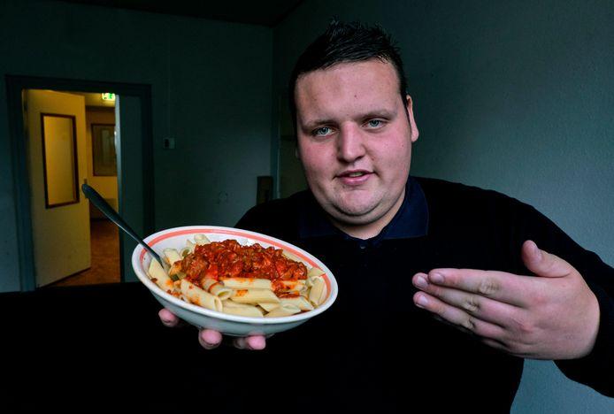 on Firing is dan wel in de ban van de frikandel, maar voor een pasta van zijn moeder blijft hij ook thuis.