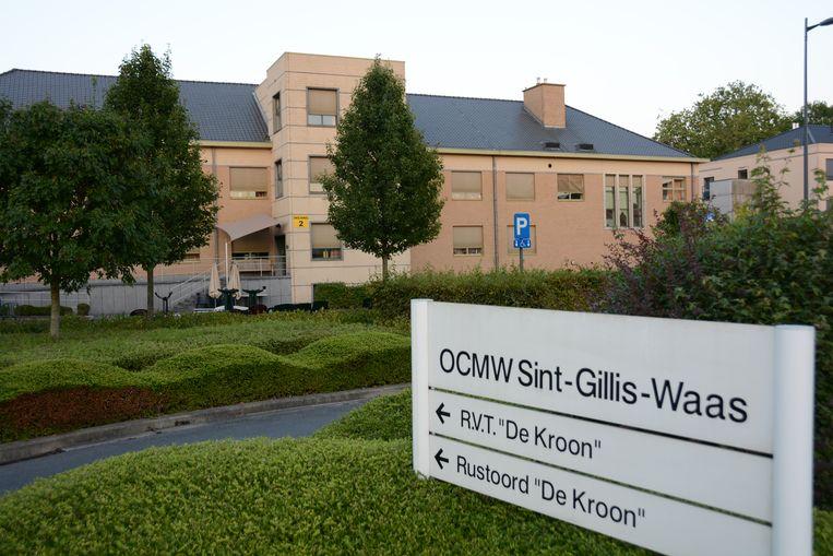 Vier bewoners van het woonzorgcentrum De Kroon raakten besmet.